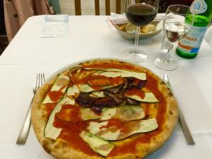...die vielleicht beste Pizza von Mailand – obwohl sie nicht so aussieht.