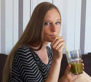 Heilpraktikerin, Bloggerin, Ehefrau und Mutter – Jen Fuchs in eine Meisterin in «alles unter einen Hut bringen». – Foto: Jen Fuchs, www.happy-healthy-raw.de