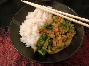 Asiatische Gerichte mit Tofu oder Tempeh sind zwar sehr lecker, doch auch nur aus Gemüse und Pilzen lassen sich tolle fernöstliche Speisen kreieren.